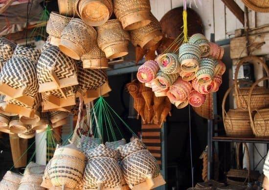 Shops Luang Prabang. Travel in Laos.