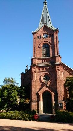 Stadtkirche im Stadtpark - grün und idyllisch