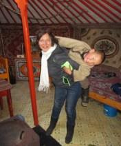Mummy has fun with nomadic kids