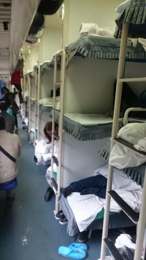 Sleeping wagon with three bunks