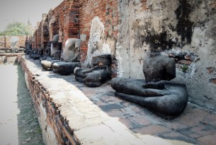In fightings they cut off the upper body against the Buddhism religion