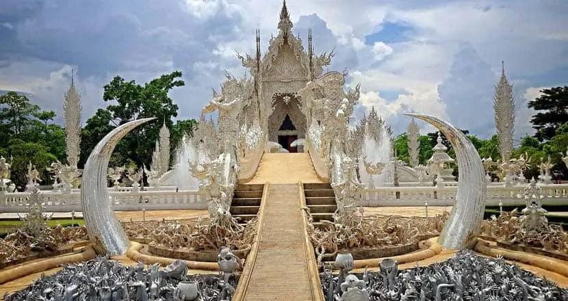 Chiang Rai white temples 2