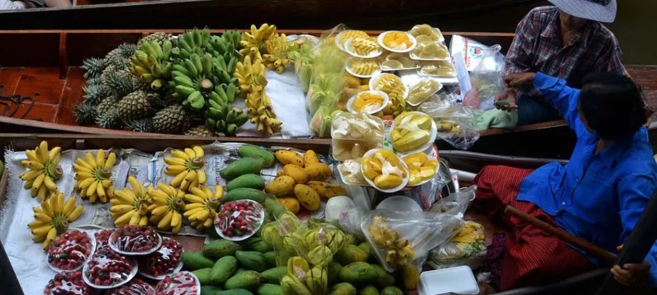 Thailand Travel Tips - Eating and drinking