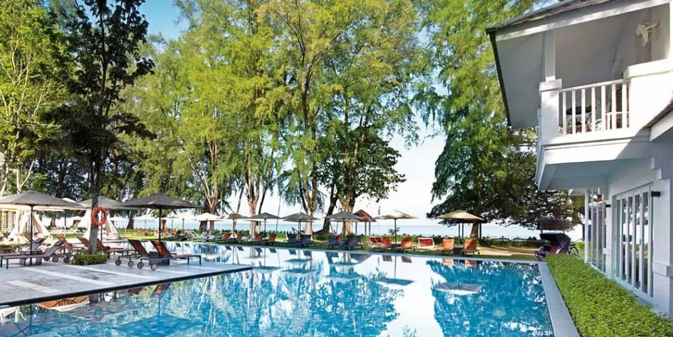 Things to do in Batu Ferringhi - relax at a hotel pool