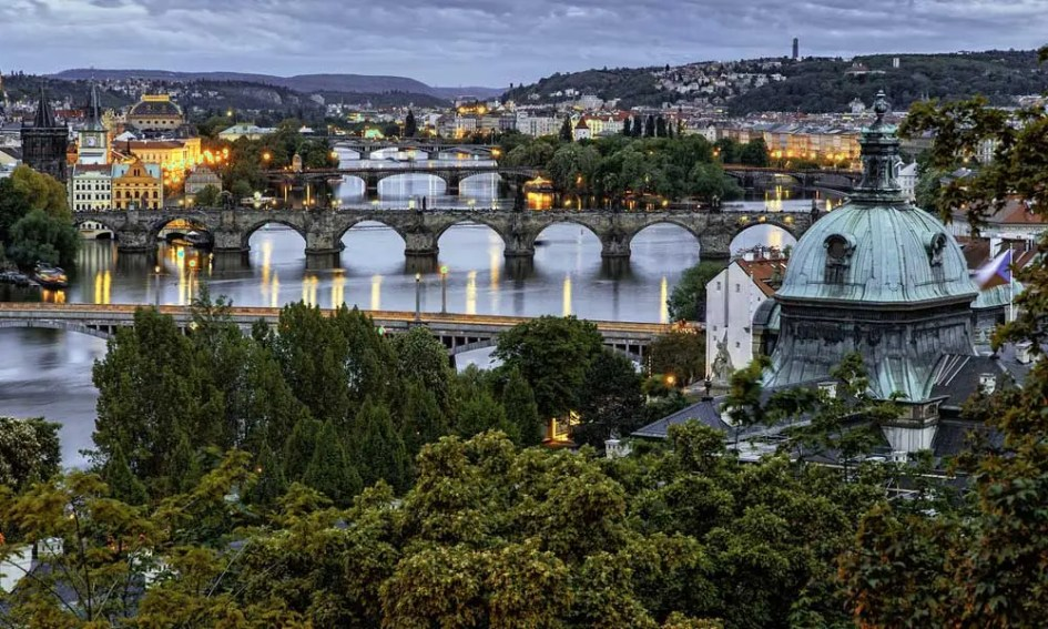 Prague-FAQ-guide-nightlife