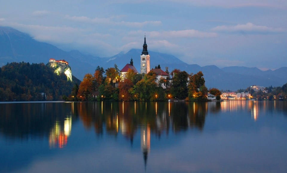 Lake_Bled_At_Twilight,_Oct_2013