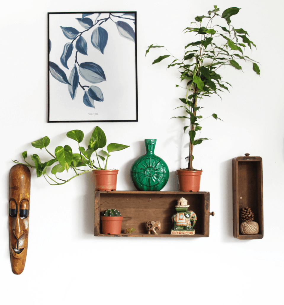 An image of wall home decor items