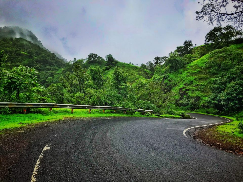 Road drive to Amboli Ghat around Pune