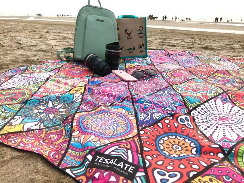 Tesalate Beach Towel Review: Best Sand-Free Towel for Beach Lovers 1