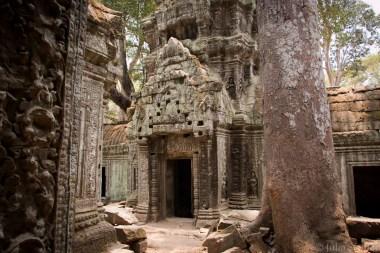 Cambodia_Angkor_2016_Worldviber_24