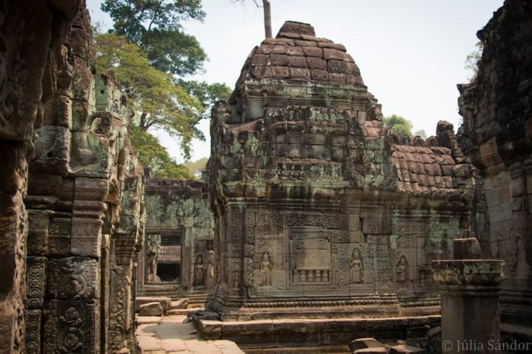 Cambodia_Angkor_2016_Worldviber_42