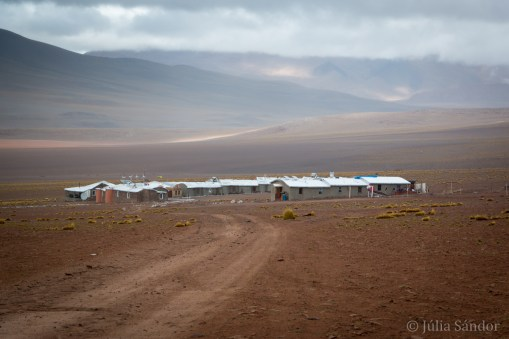This was our hotel at 4.600 meters, run by the local community - for miles around no other sign of life.