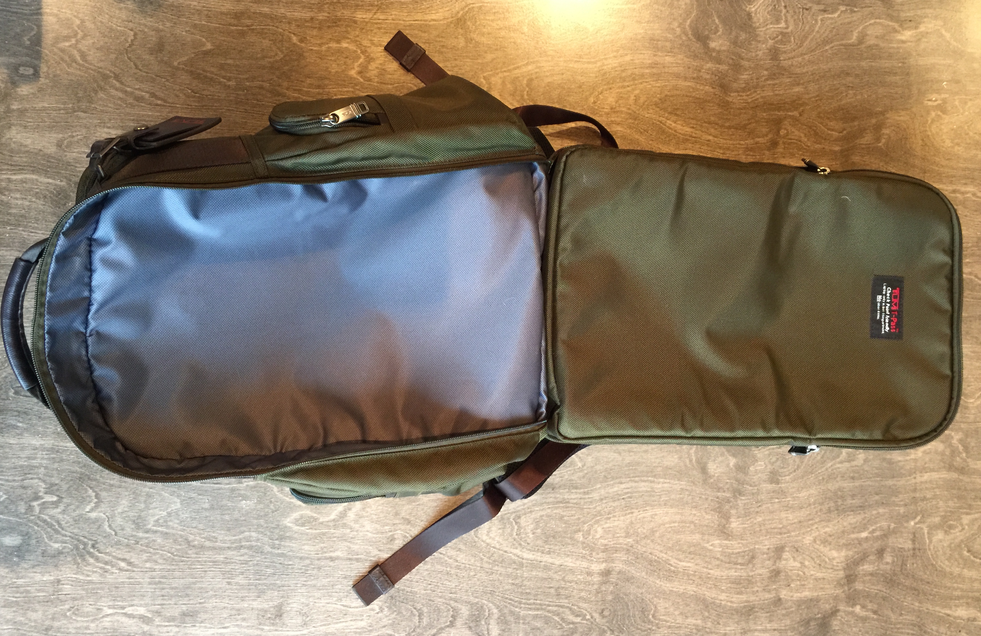 Review: Tumi Alpha 2 T-Pass Business Class Brief Pack