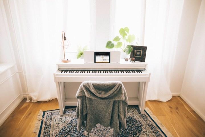Choose a Hybrid Piano