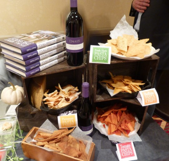 Davios Pasta Chips Display