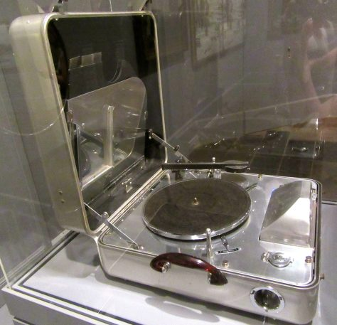 Portable Electric Phonograph