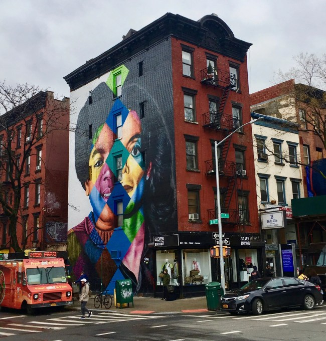 Kobra MJ Mural Distance