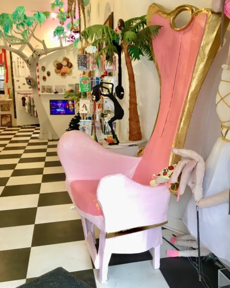 pink lazy throne photo by gail worley