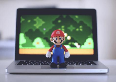 super mario with laptop