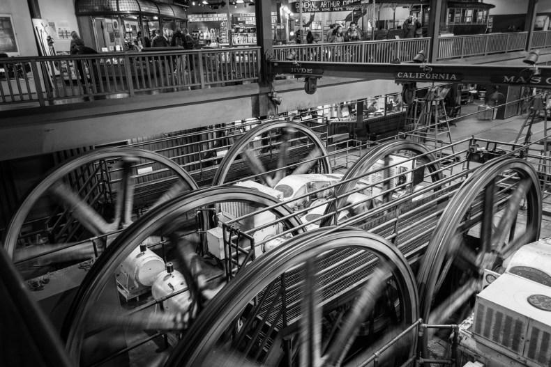 Les machineries réelles sont visibles depuis le musée