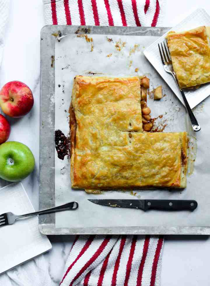 who doesn't want a huge pieces of apple slab pie?