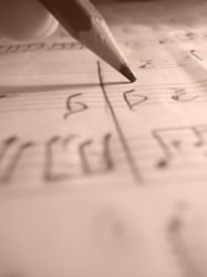 songwriting_small_laura_callaghan_lo