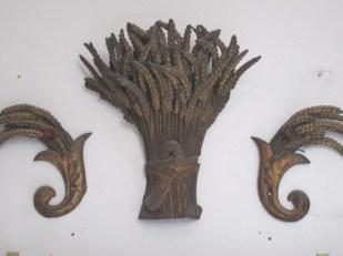 wheat sculpture Paris -- Ana Gobledale