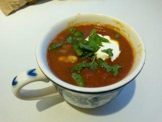 chorizo-chilisoep uit 'Soep, bij Janneke thuis'