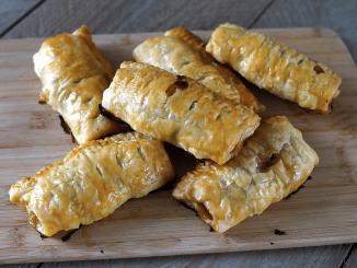 zelfgemaakte saucijzenbroodjes