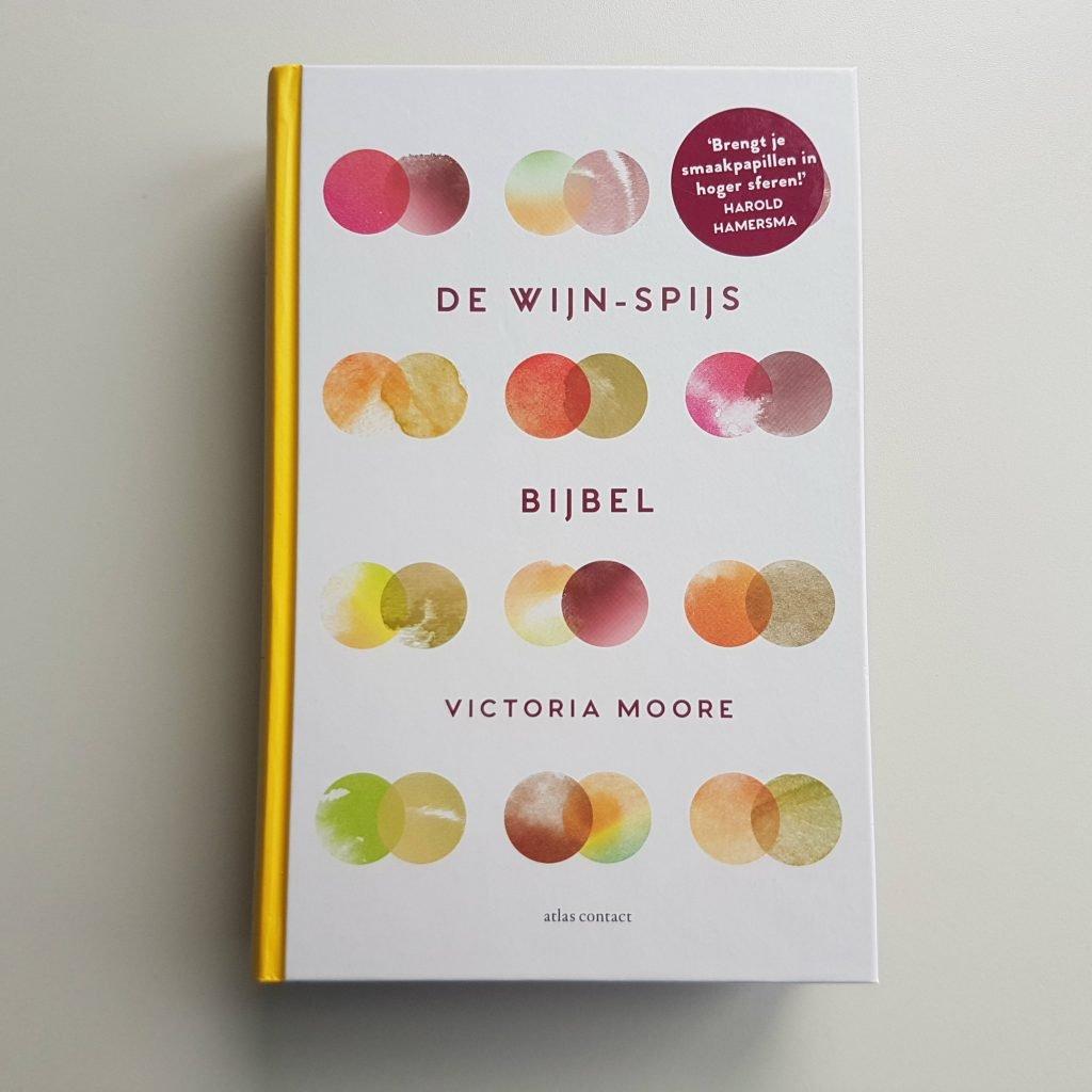 Cover van de Wijn-spijs bijbel van Victoria Moore