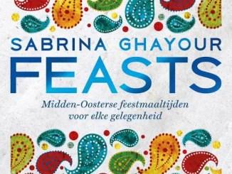 Cover van Feasts van Sabrina Ghayour