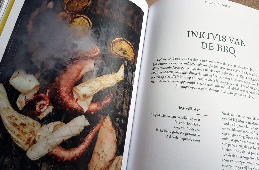 Pagina uit We eten thuis van Samuel Levie inktvis BBQ