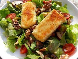 Salade met gebakken brie