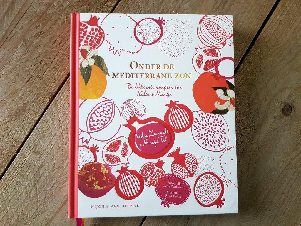 Cover kookboek Onder de mediterrane zon van Nadia Zerouali en Merijn Tol