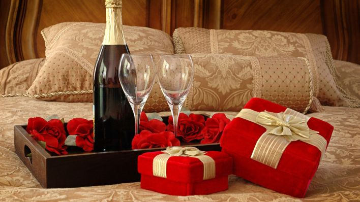 wine,glasses and roses