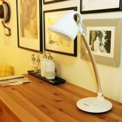松下(Panasonic)HHLT0620 触控式LED智能台灯 简约设计美学