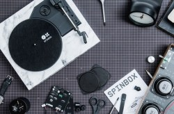 Spinbox – A DIY Portable Turntable Kit