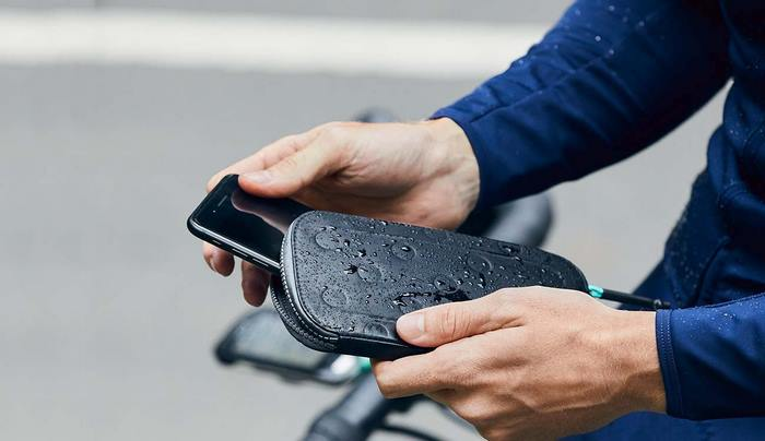 MAAP All-Conditions Phone Pocket