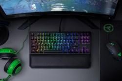Razer雷蛇 黑寡妇蜘蛛竞技幻彩版V2,RGB背光电竞游戏机械键盘