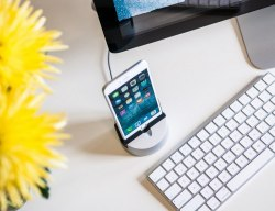 Gravitas² for iPhone and iPad by Henge Docks
