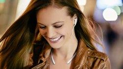 三星SAMSUNG Level U 项圈蓝牙耳机,时尚的设计及出色的音质
