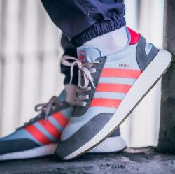 Adidas 阿迪达斯 INIKI BOOST 三叶草男女休闲运动跑步鞋BA9999/BB2098