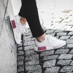 Adidas/阿迪达斯三叶草 NMD R1 男女休闲运动跑步鞋BY9951/BY9952