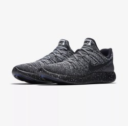 Nike LunarEpic Low Flyknit 2 男子跑步鞋