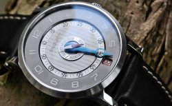 SNGLRTY Swiss Single Hand Watch Accuracy in One Hand