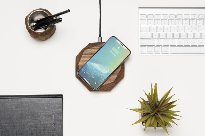 Wood Wireless Charger By Oakywood