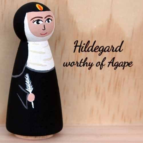 Hildegard feather side
