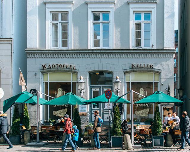 Would Be Traveller Vegetarian food in Hamburg Kartoffel Keller exterior