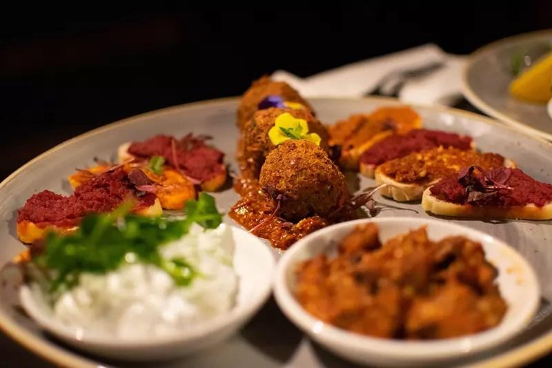 Would Be Traveller Red Lion Stoke Poges Vegetarian Mezze