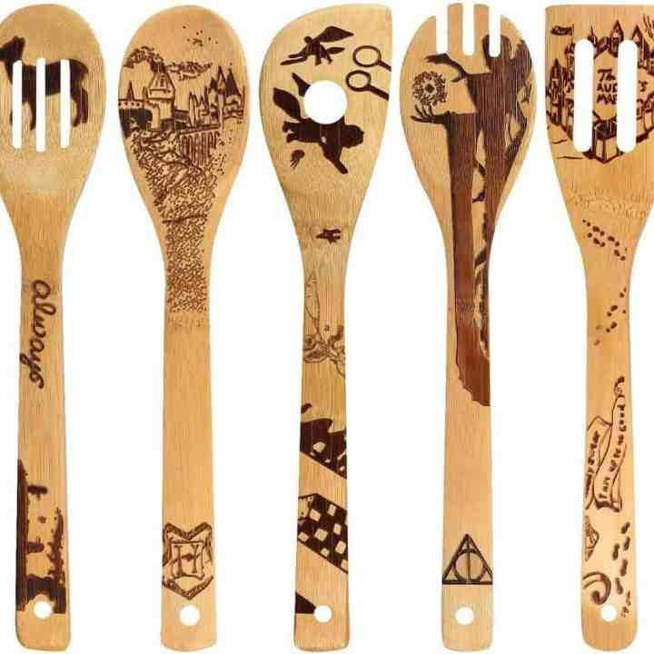set of 5 wooden spatulas